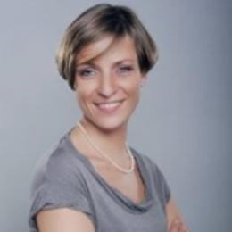 JOANNA HAYDER